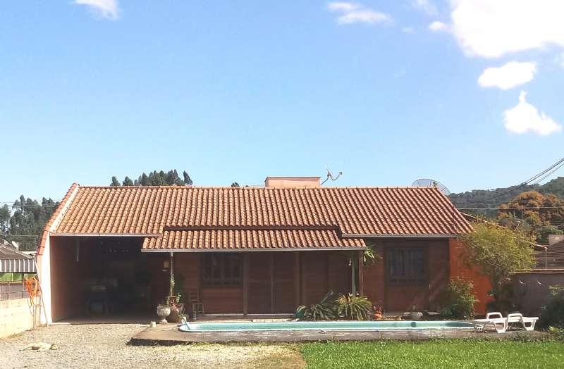 Casa 2 dormitórios no bairro Nova Esperança em Guaramirim