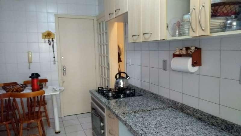 Apartamento à venda com 3 quartos  no Cristal
