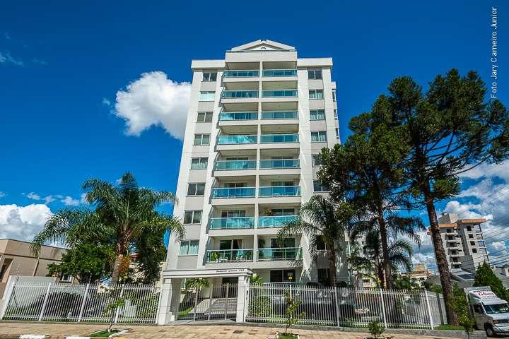 Apartamento e 3 suítes no Centro - Imóveis a venda em Lages e região