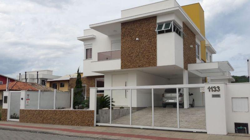 Casa 3d  no bairro Campeche em Florianópolis