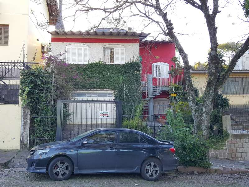 Casa 3d  no bairro Santo Antônio em Porto Alegre - Park Imobiliária - Bairro Partenon | Porto Alegre-RS