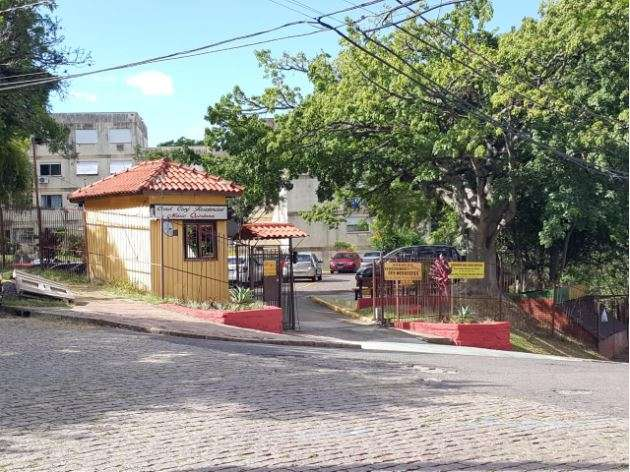 Apartamento 2d  no bairro Santo Antônio em Porto Alegre - Park Imobiliária - Bairro Partenon | Porto Alegre-RS
