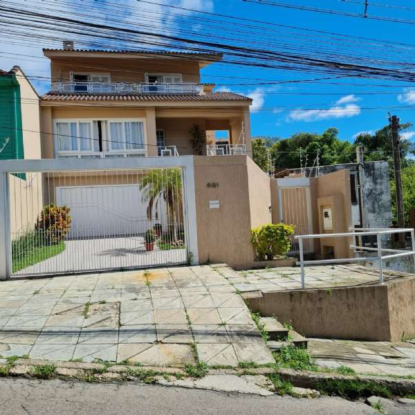 Sobrado 3d  no bairro Santo Ant�nio em Porto Alegre - Park Imobiliária - Bairro Partenon | Porto Alegre-RS