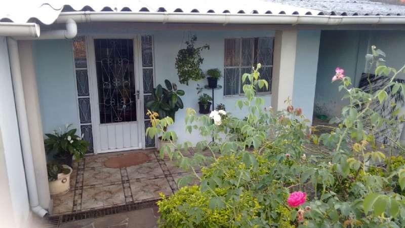 Casa 2d  no bairro Guajuviras em Canoas