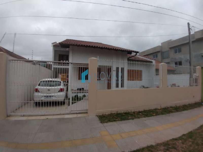 Sobrado 5 dormitórios no bairro Fátima em Canoas