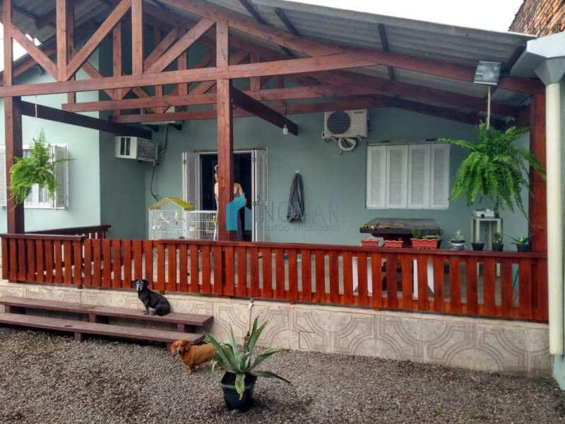 Casa 5 dormitórios no bairro Niterói em Canoas