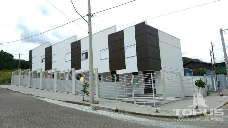 Sobrado 2 dormitórios no bairro São Caetano em Caxias do Sul