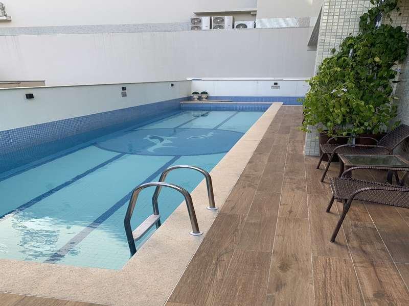 Excelente Apartamento Semi-Mobiliado 4 su�tes no cora��o da Meia Praia!!!